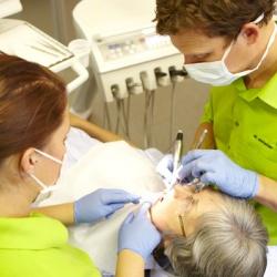 Praxis - Dr. med. dent. Christian Knöll - Behandlung