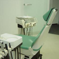 Praxis - Dr. W. Hering - Behandlungszimmer2