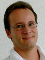 Dr.  Dirk Otto